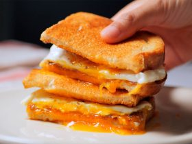 Egg cheese sandwich